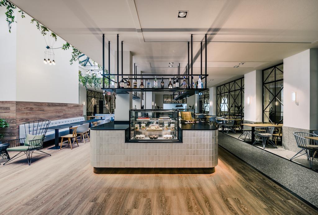 nh city centre amsterdam bigbrands. Black Bedroom Furniture Sets. Home Design Ideas